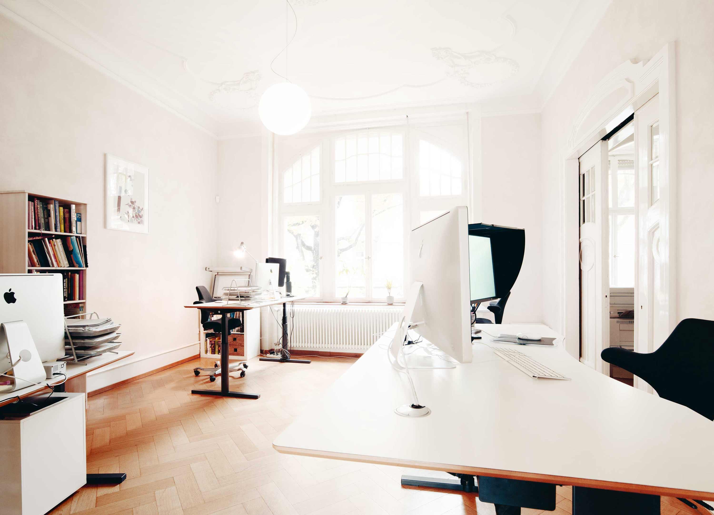 weiss-freiburg-grafik-buchgestaltung-office